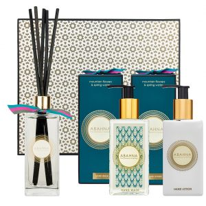 Mountain Flowers & Spring Water cloakroom set with hand wash, hand lotion and reed diffuser